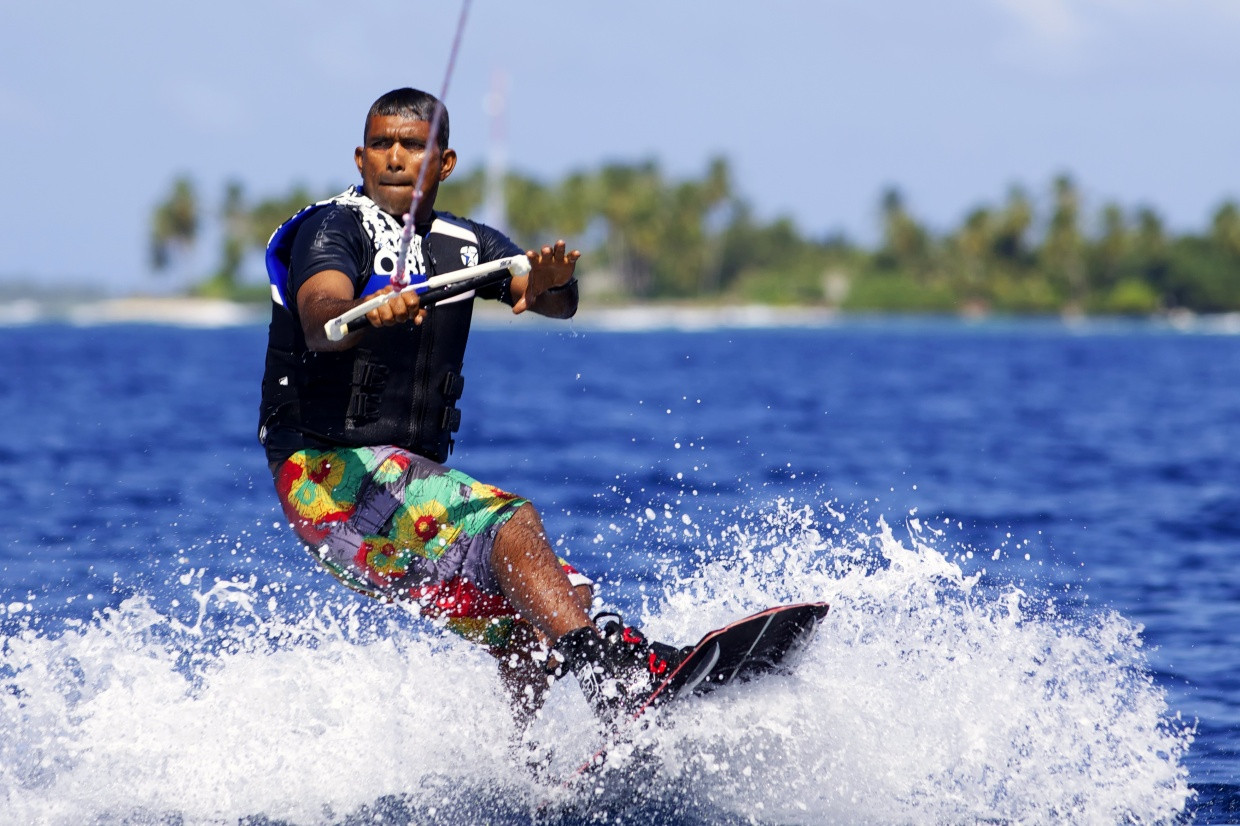 Wake_boarding_[5513-LARGE].jpg