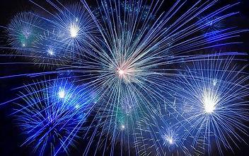 fireworks-574739_640.jpg
