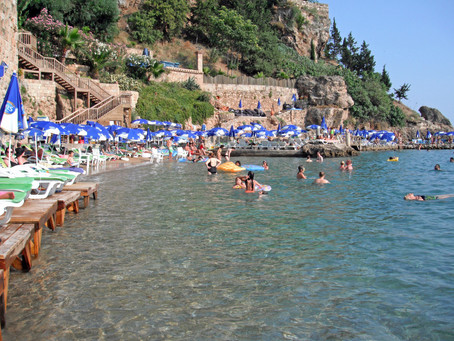 The Iranian Fascination with Turkish Beaches