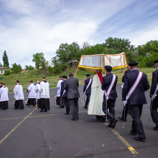 Father Ben Franchuk Processing to the Entrance of Queen of Peace