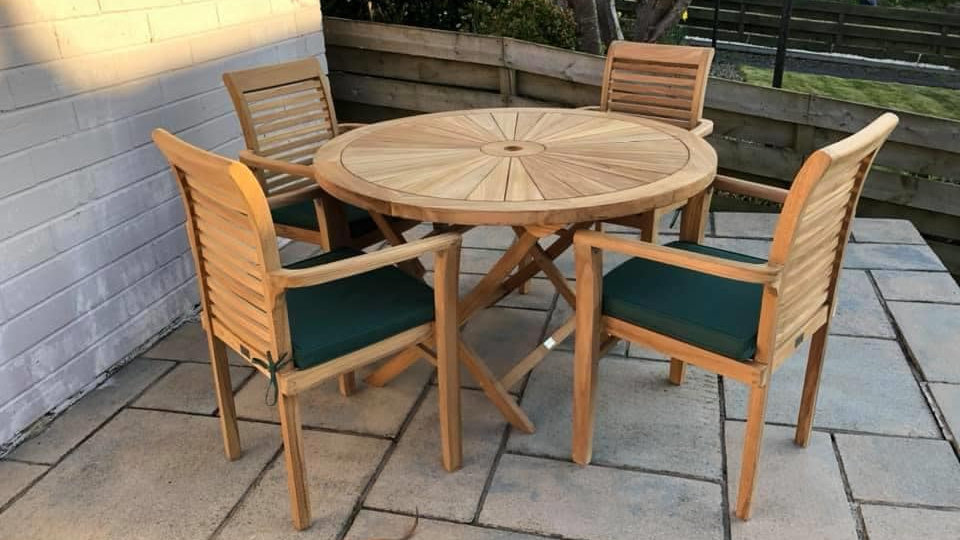 Sunburst 120cm Table & Four Stacking Chairs.