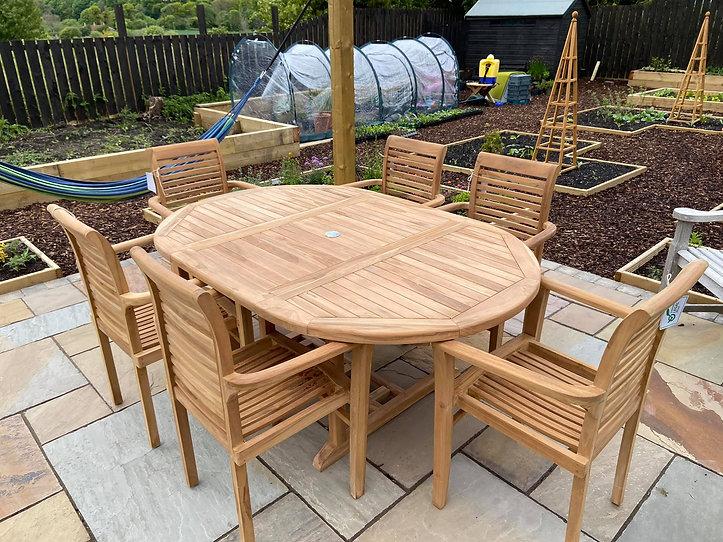 120cm extending to 180cm table 4.jpg