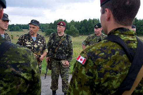 Canadian_forces_participate_in_airborne_