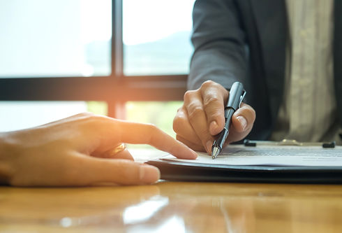 business-concept-signing-a-business-cont
