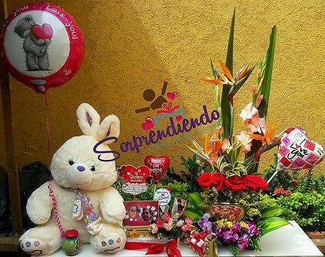 arreglo floral, sorprendiendo, regalos de amor,