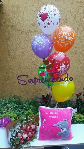 Rosas y Globos cn Helio, Bouquet Rosas, Cojin romantico, sorprendiedo
