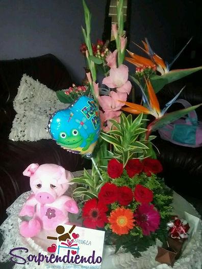 Flores y Peluche,  SorprendiendSorpresas para regalar, flores para regalar,