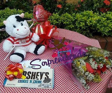sorprendiendo, flores y peluches, regalos para enamorar