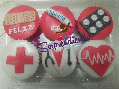 cupcakes personalizados, cupcakes sorpresa, sorprendiendo