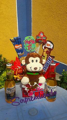 Ancheta con cervezas para regalar, regalos de aniversario, sorprendiendo