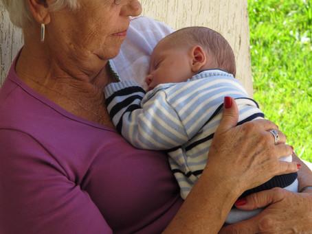 Vai ser avó? Oficina oferece atualização para ajudar a cuidar do bebê