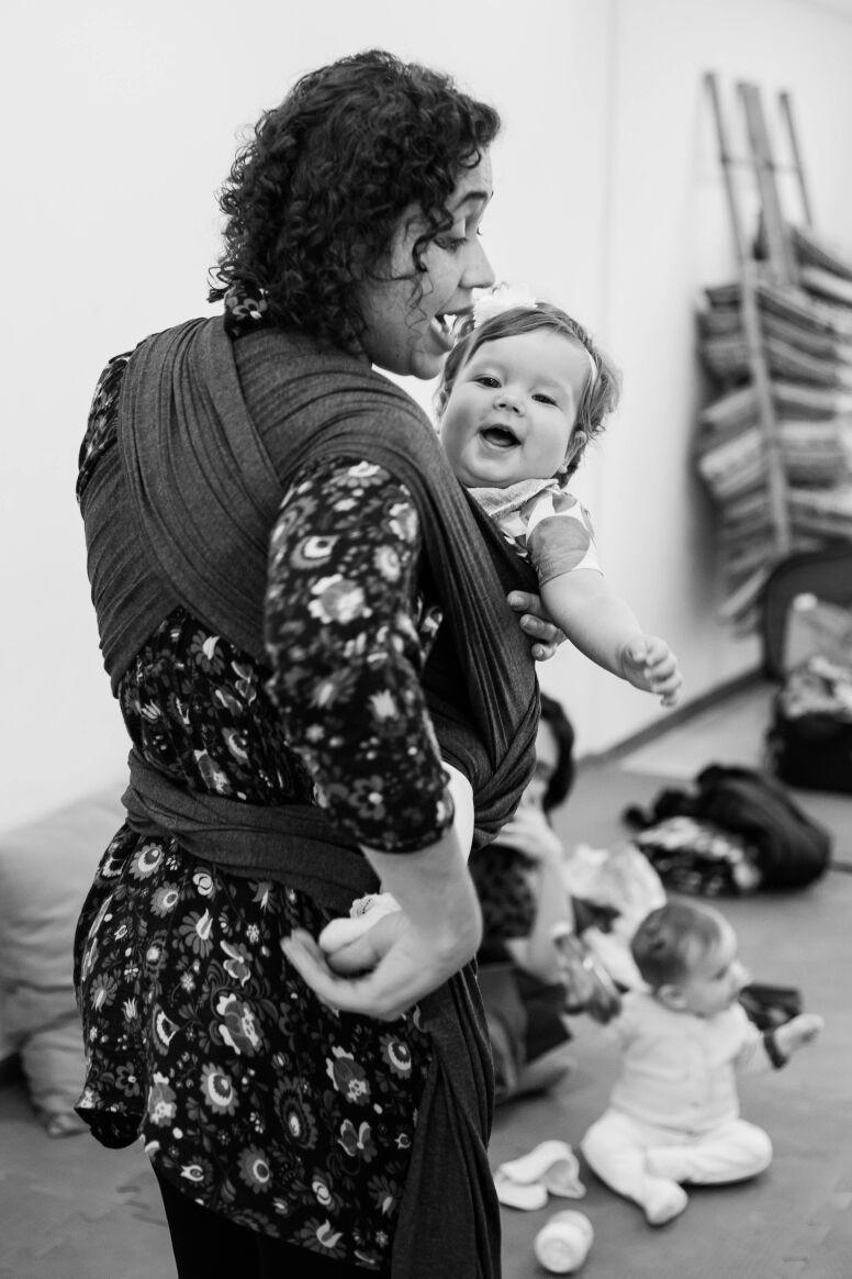 Rosangela Alves com wrap sling (Foto: Kátia Ribeiro)