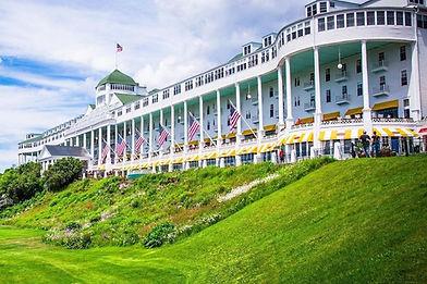 Grand-Hotel-Mackinac-Exterior_54_990x660