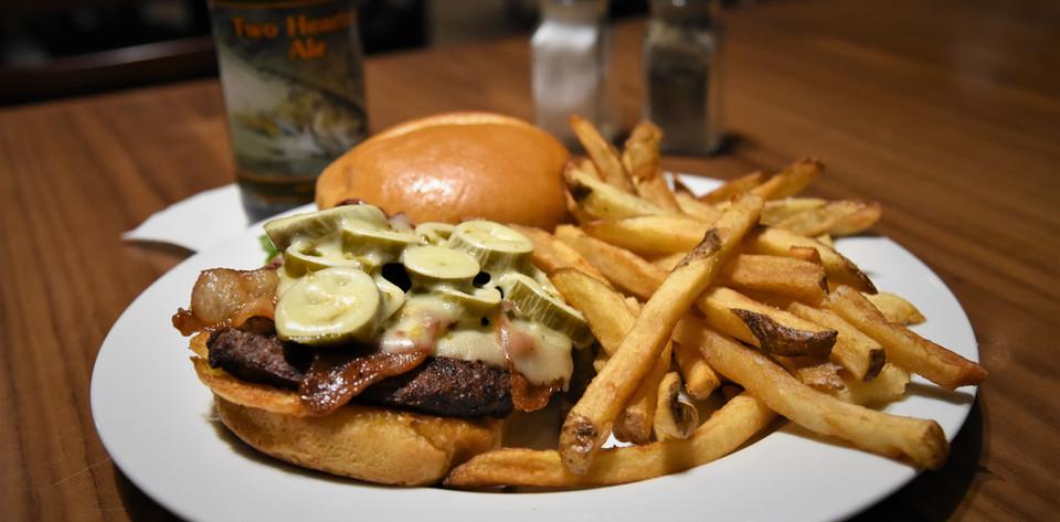 Ts Rockin Roadhouse_Burgers