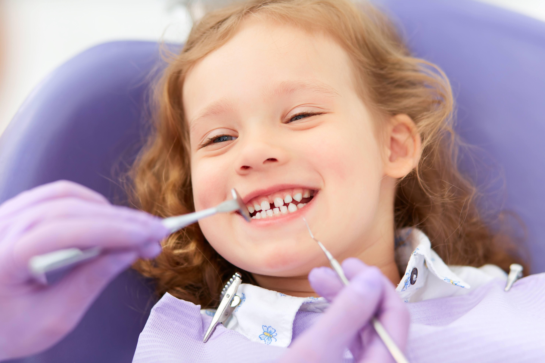 girl dental cleaning