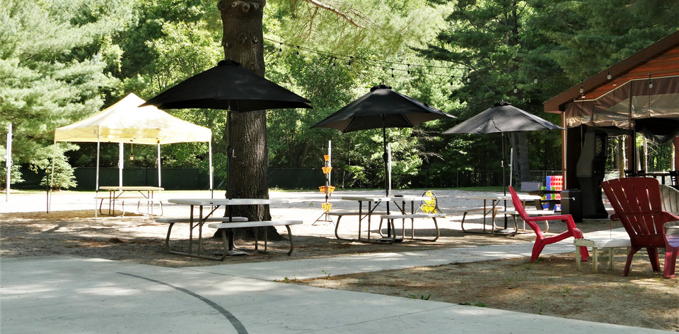 Ts Rockin Roadhouse-Outdoor-Seating