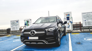 Jaké je to s hybridem? Mercedes-Benz GLE 350de