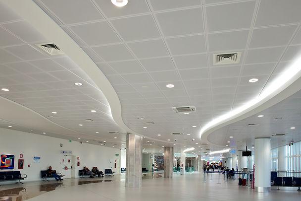 IT Bari Airport 1.jpg