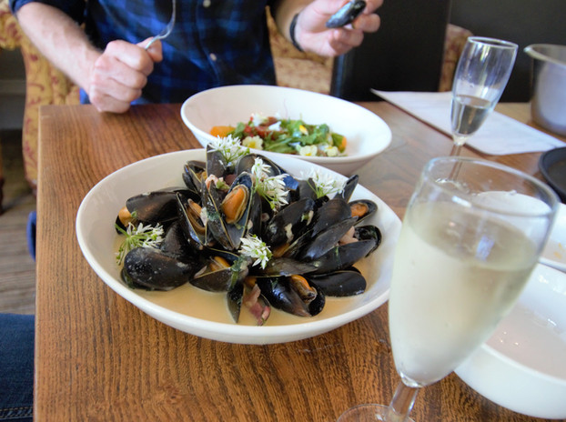 Hunters mussels forage dish .jpg