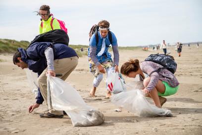 Grote schoonmaakactie begint op strand van Schiermonnikoog