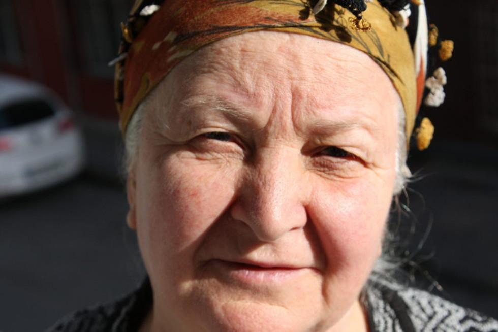 lovely-old-women-1429436-1920x1280-1024x
