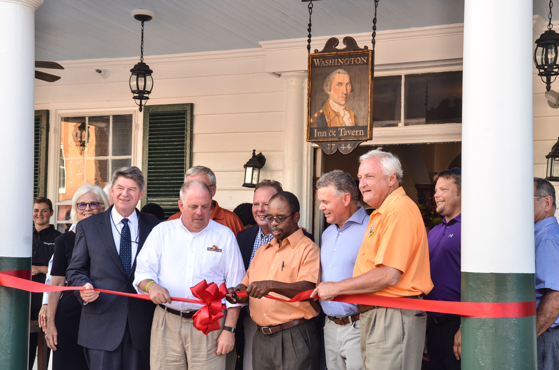 Washington Inn Ribbon Cutting