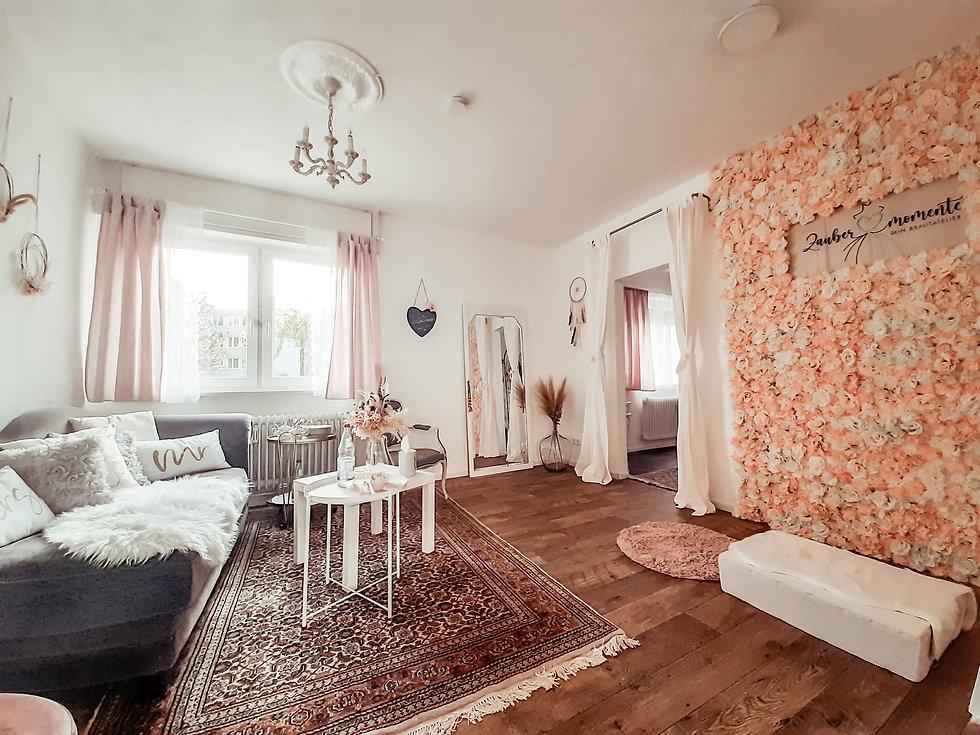 brautkleid-anprobe-wohnzimmer-beratungstermin