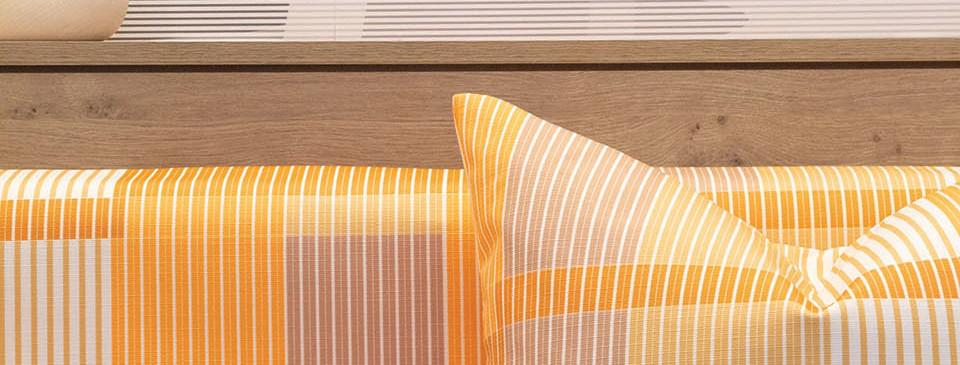 028A0368 - Yellow Bench[s].jpg