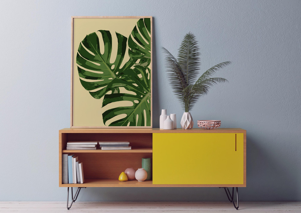 MONSTERA - Close-up-poster-on-chest-draw