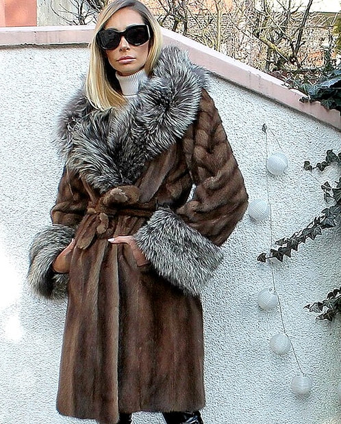 CRYPTOR GLOBAL ™️©️ Fur Couture  Genuine Mink Fur Coat With Silver Fox