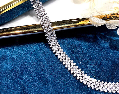 CRYPTOR GLOBAL ™️©️ WINDSOR Collection 18K WG Diamond Bracelet for Woman