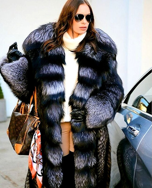 CRYPTOR GLOBAL ™️©️ Exquisite Genuine Silver Fox Fur Coat With Big Hood