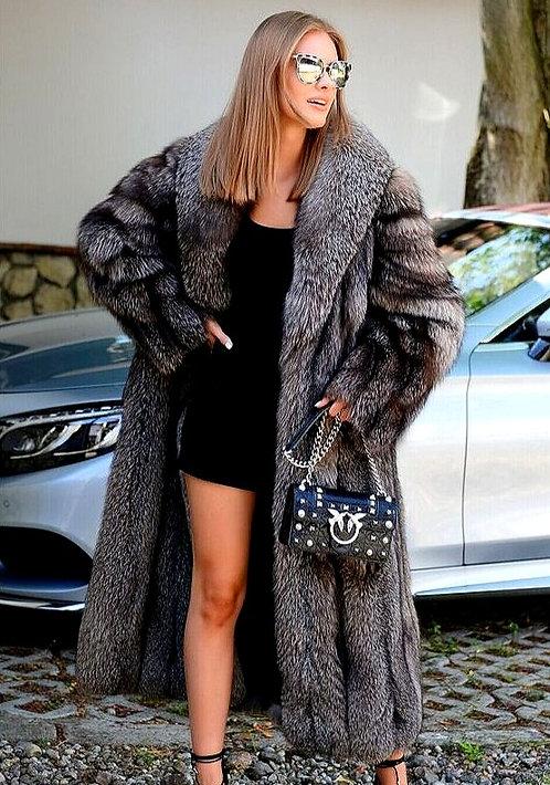 CRYPTOR GLOBAL ™️©️  Supreme Luxury and Quality Genuine Fox Fur Coat