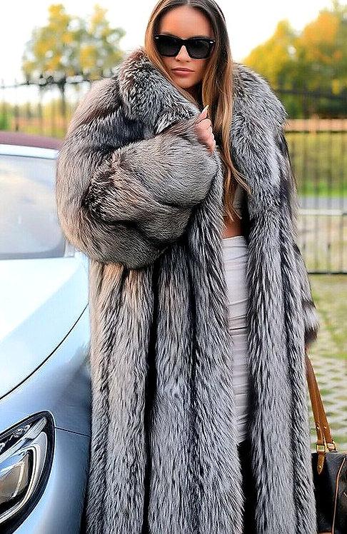 CRYPTOR GLOBAL ™️©️ Exquisite Genuine Silver Fox Fur Coat