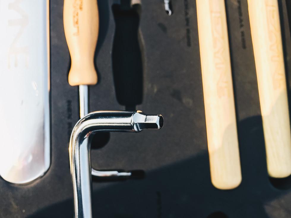 Tool Breakdown: Lezyne Port-A-Shop Pro