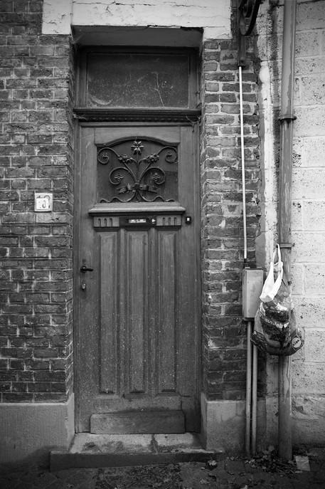 Phil-F2 door-4.jpg
