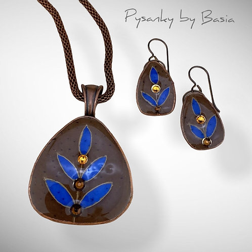 A107 - Pysanka Pendant and Earring Set - Blue Leaves on Brown