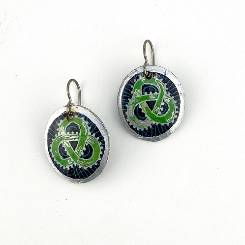 A156R   - Pysanka  Earrings - Green celtic knot -  - Goose Eggshell