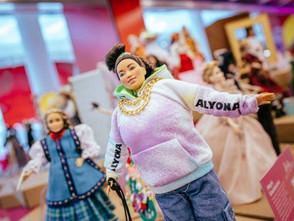 Образи Лесі Українки, Квітки Цісик та інших відомих жінок втілили у вигляді ляльок Барбі