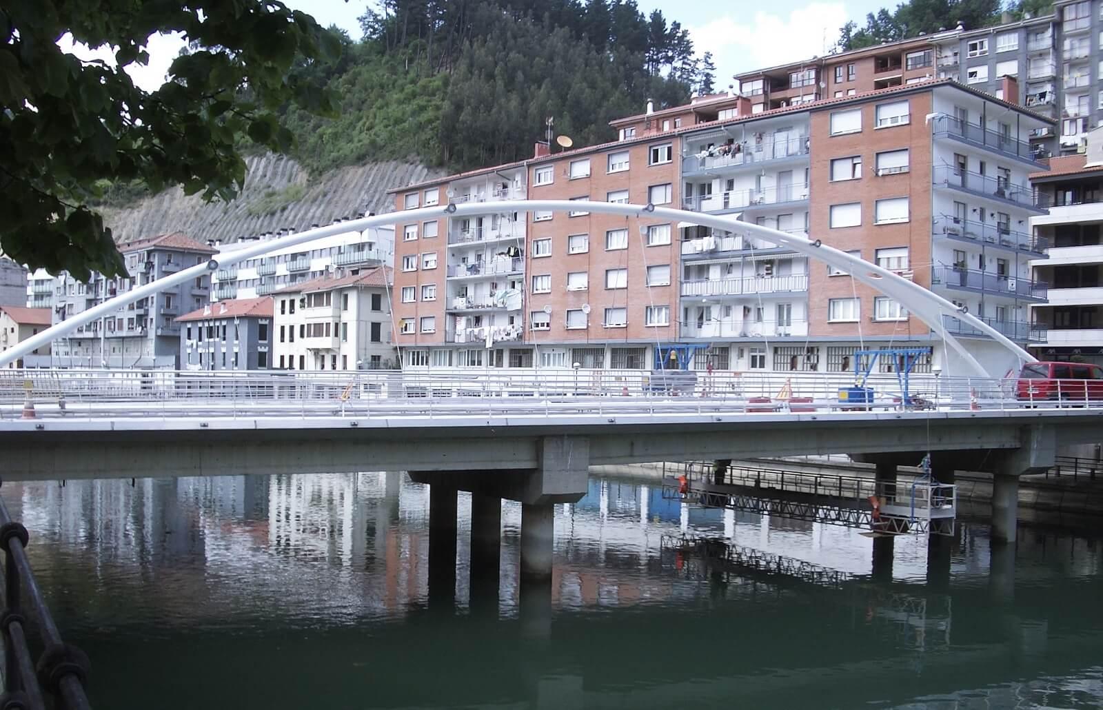 pasarela y puente Zaldupe