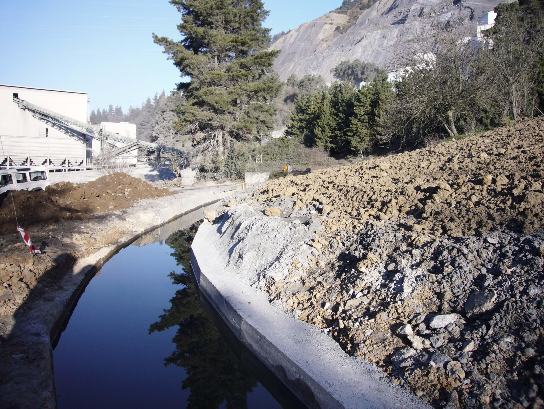 canal y talud | Orozko