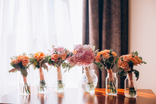 peach and pink bouquets.jpg