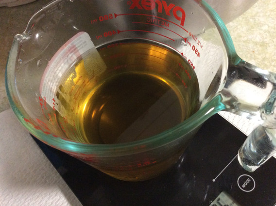 Weighing oils for soap