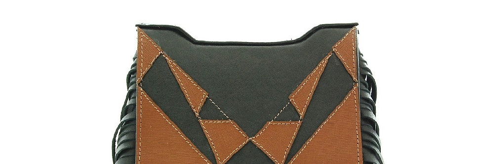 Bolsa de couro com franjas