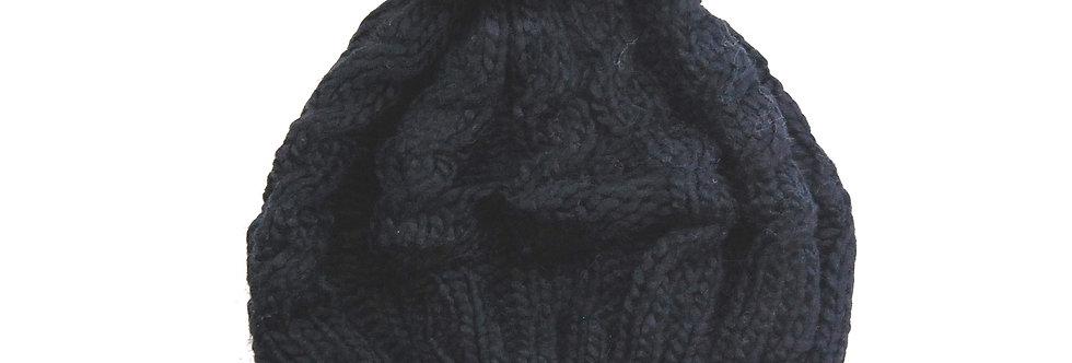 Touco de trico preto com pompom