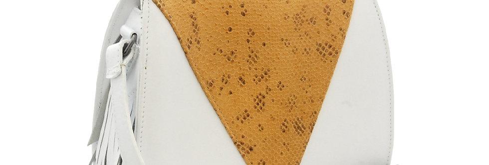 Bolsa branca de couro com detalhe em textura croco