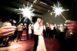 Hochzeitstanz mit Wunderkerzen