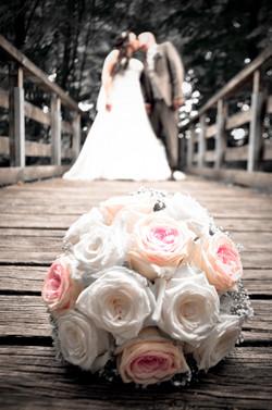 Brautstrauss mit Paar