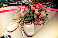 Brautschuhe und Brautstrauss