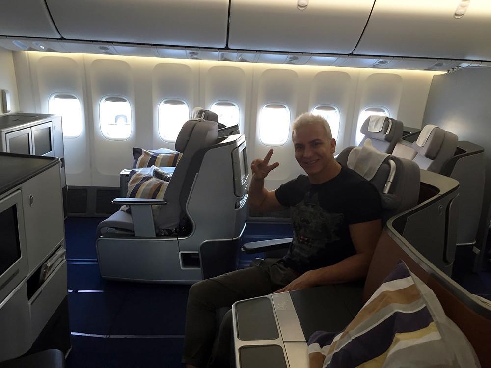 Flavio Mendoza en viaje a Paris.jpg